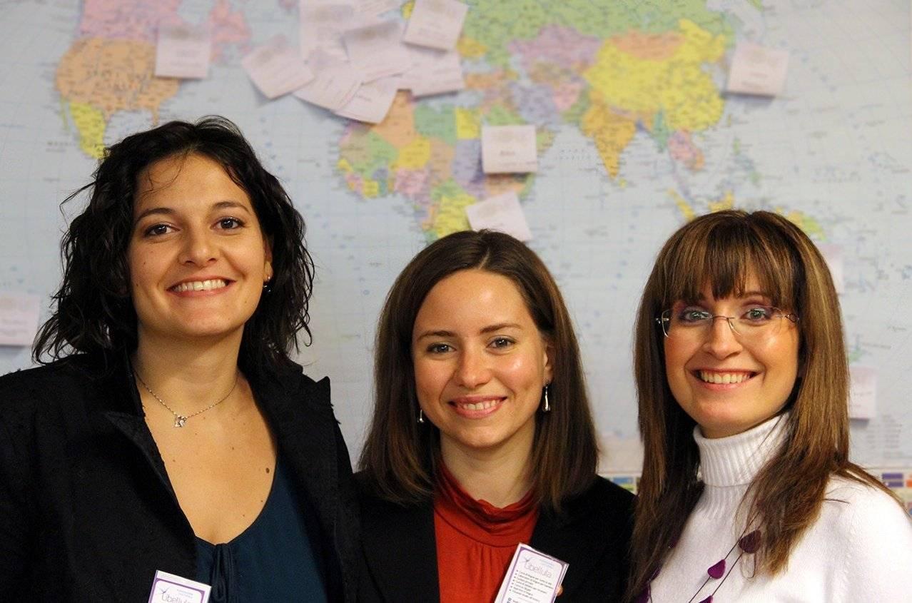 Libellula, tre ragazze e un unico sogno: creare la propria scuola di lingue