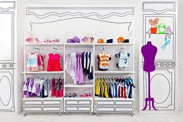 Mettersi in proprio: aprire un negozio di abiti usati per bimbi