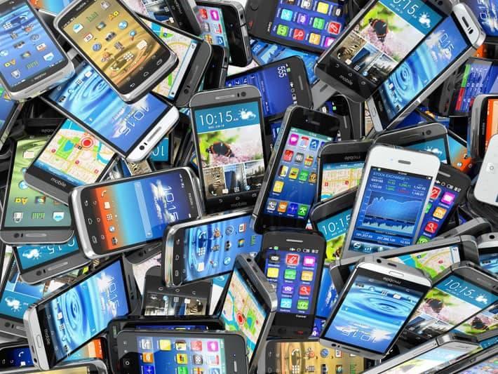Italiani e smartphone, un rapporto sempre più stretto
