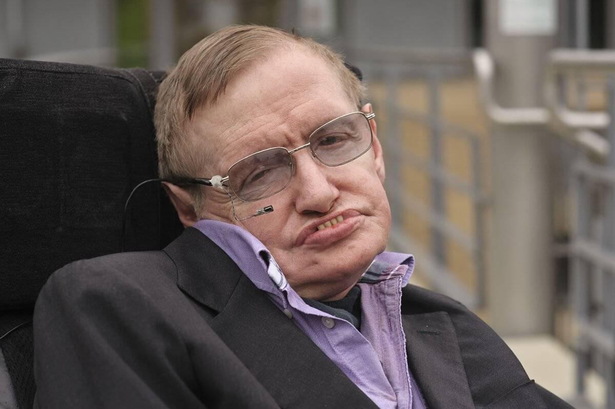 L'ultimo consiglio di Hawking all'umanità: state attenti all'Intelligenza Artificiale e al clima
