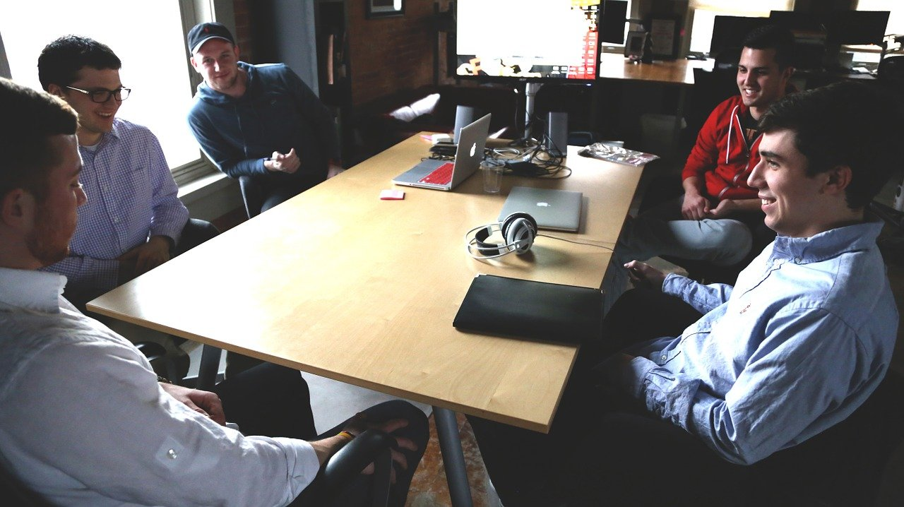 Costituzione startup online, ultime novità: la Camera chiede cambiamenti per evitare rischio monopolio